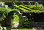 gates to maze